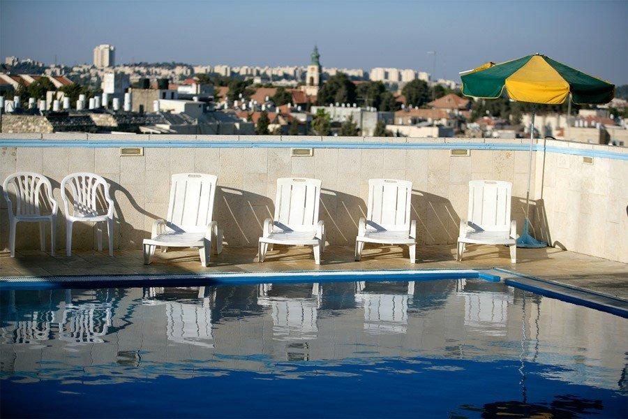 Отель Кейсар Премьер Иерусалим - бассейн